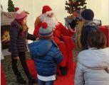 Ad Agrate la casa e i mercatini di Babbo Natale