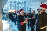 Mercato di Natale e negozi aperti