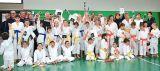 Giovani karateki sotto esame in collegio