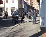 Venditori abusivi, blitz della Polizia locale al mercato