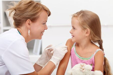 vaccinazione-bambina.jpg