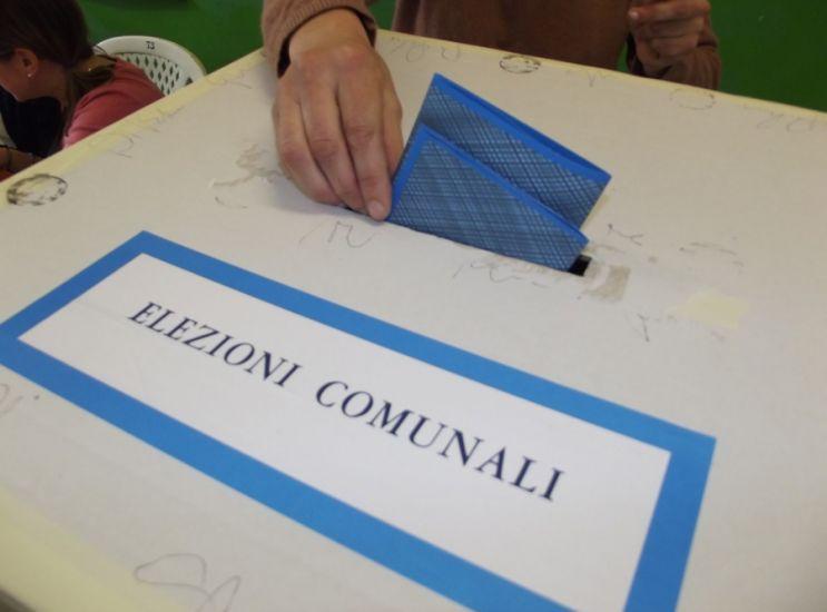 Elezioni, sarà corsa a due con incognita Cl?